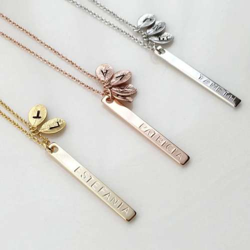 Personalized family bar necklace